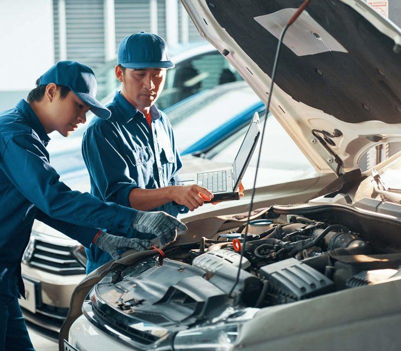 repairing-car-small.jpg